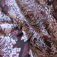 tessuto di poliestere etnico con sfumature di granata