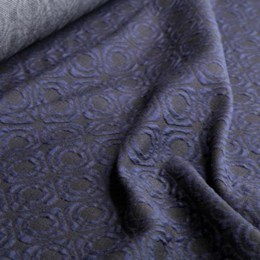 tessuto jersey cotone blu scuro e nero con motivi a rilievi