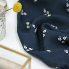 Viscose twill fabric Trio de fleurs Navy
