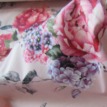Remnant Japanese flowers cotton fabric 83 cm x 146 cm