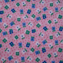 Remnant Cotton fabric pink & flowers 71 cm x 140 cm