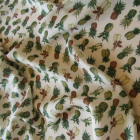 Remnant Pineapple print cotton fabric 42 cm x 145 cm