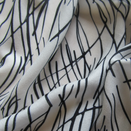 Remnant Viscose crepe fabric  Graphic design 188 cm c 145 cm