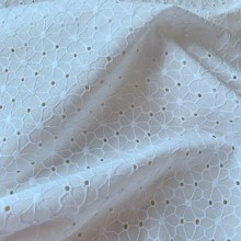 """Remnant White broderie anglaise cotton fabric """"Flowers""""40 cm x 145 cm"""