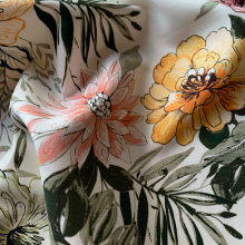 Remnant Off white Cotton sateen fabric Dahlia 70 cm x 145 cm