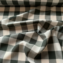 Remnant Black and white checkered Popeline cotton 118 cm x 150 cm