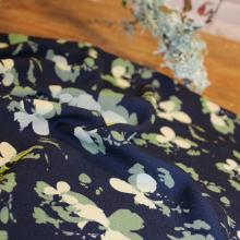 Remnant Crepe Viscose fabric Clovers Bleu Atlantique 140 cm x 145 cm