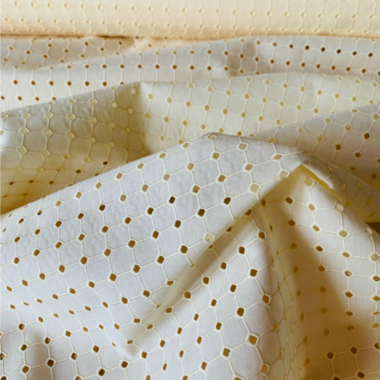 "Vanilla broderie anglaise cotton ""Mosaic"""